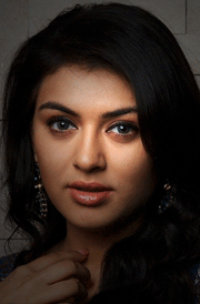hansika-romantic-look-picture-for-mobile