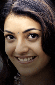 kajal-agarwal-cute-smile-hd-wallpaper