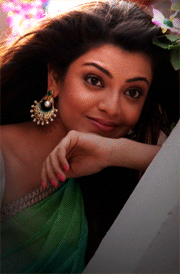 kajal-agarwal-saree-dress-hd-wallpaper-for-mobile