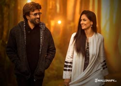 petta-rajini-simran-wallpapers-hd