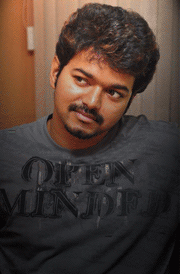 rare-vijay-smiling-face-still-for-hd