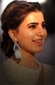 samantha-cute-photos-in-saree