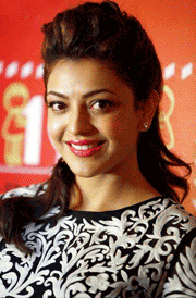 smile-kajal-agarwal-hd-wallpaper
