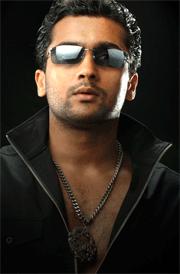 surya-2005-images-hd-ghajini